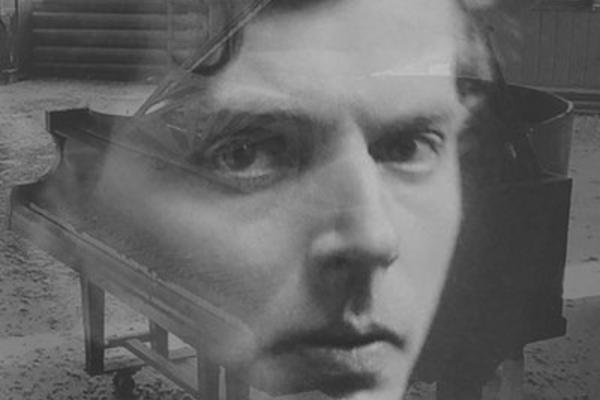 Book cover of Kate Kennedy's Dweller In Shadows: A Life of Ivor Gurney
