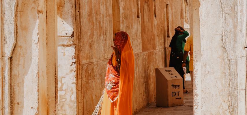 Colourful ladies of Jaipur
